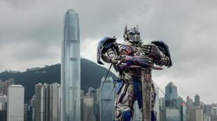 Une reproduction d'Optimus Prime lors de la première du film Transformers 4, à Hong-Kong