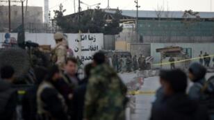 القوات الخاصة الأفغانية في موقع الهجوم في كابول الأربعاء 8 آذار/مارس 2017
