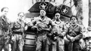 Jean Gabin et l'équipage du Souffleur II.