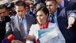 Rosario Robles, exministra en el Gobierno de Enrique Peña Nieto, el 12 de agosto de 2019 a su llegada a comparecer por segunda ocasión ante un juez de Ciudad de México, acusada por la Fiscalía de permitir el desvío de unos 250 millones de dólares.