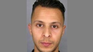 Salah Abdeslam, soupçonné d'avoir participé aux attentats du 13 novembre, sera remis aux autorités françaises dans quelques jours.