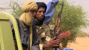Des miliciens en faction près de Kidal, photographiés le 13 juillet 2016.
