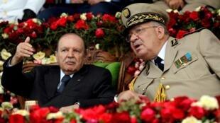 الرئيس بوتفليقة وقائد أركان الجيس أحمد قايد صالح