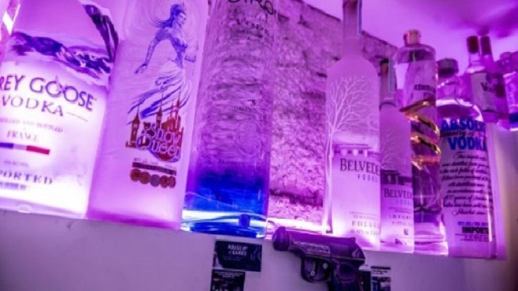 حانة في الدانمارك سرقت منها أغلى زجاجة فودكا في العالم. 3 كانون الثاني/يناير 2018.
