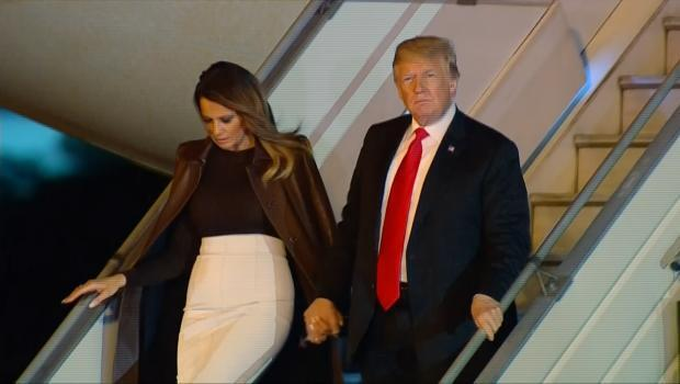 El presidente de Estados Unidos, Donald Trump y su esposa Melania aterrizan en Buenos Aires, Argentina para la cumbre del G20, el 29 de noviembre de 2018.