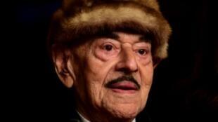 """Artur Brauner, le 15 février 2018 à la Berlinale, le festival du film de Berlin. Artur Brauner, producteur allemand aux plus de 300 films, dont plusieurs grands succès consacrés à la mémoire de la Shoah, comme """"Europa, Europa"""", est mort dimanche à Berlin à l'âge de 100 ans."""