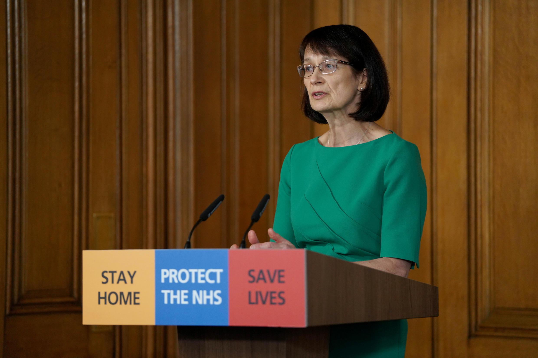 Le Dr Jenny Harries a estimé que le confinement du Royaume-Uni pourrait durer six mois ou plus dimanche 29 mars.