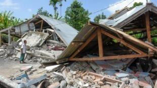 جزء من الدمار الناجم عن الزلزال المدمر الذي ضرب جزيرة لومبوك في إندونيسيا في 29 تموز/يوليو 2018
