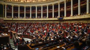 Aucune règle n'impose aux parlementaires français de dévoiler leurs agendas.
