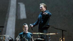 """Bono, le chanteur du groupe de rock U2 est visé par des révélations des """"Paradise Papers""""."""