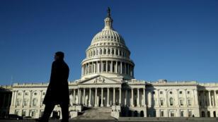 Le Sénat a voté contre par 50 voix une proposition de loi visant à prolonger le financement du gouvernement fédéral, vendredi 19 janvier.