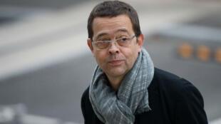 Nicolas Bonnemaison gravit les marches du tribunal d'Angers, le 24 octobre 2015.