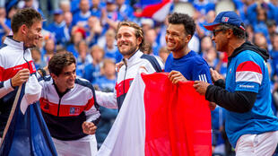 Les Bleus fêtent leur accès à la finale de la Coupe Davis, dimanche 17 septembre à Villeneuve-d'Ascq.