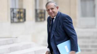 Jacques Mézard, le ministre de la Cohésion des territoires, chargé notamment du logement, a écarté toute suppression pure et simple des APL.