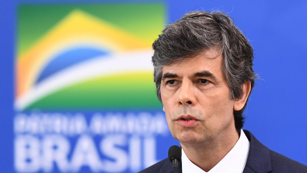El Ministro de Salud de Brasil, Nelson Teich, habló después de asumir el cargo en el Palacio de Planalto en Brasilia, el 17 de abril de 2020.