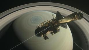 La sonde Cassini et Saturne, image d'illustration.