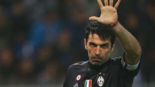 Gianluigi Buffon, gardien emblématique de la sélection italienne de football.