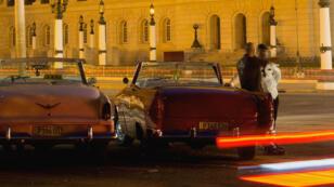 Un inventario subjetivo de la sociedad cubana en plena mutación: la vida cotidiana, las preocupaciones y los anhelos de las mujeres y los hombres que pueblan La Habana.