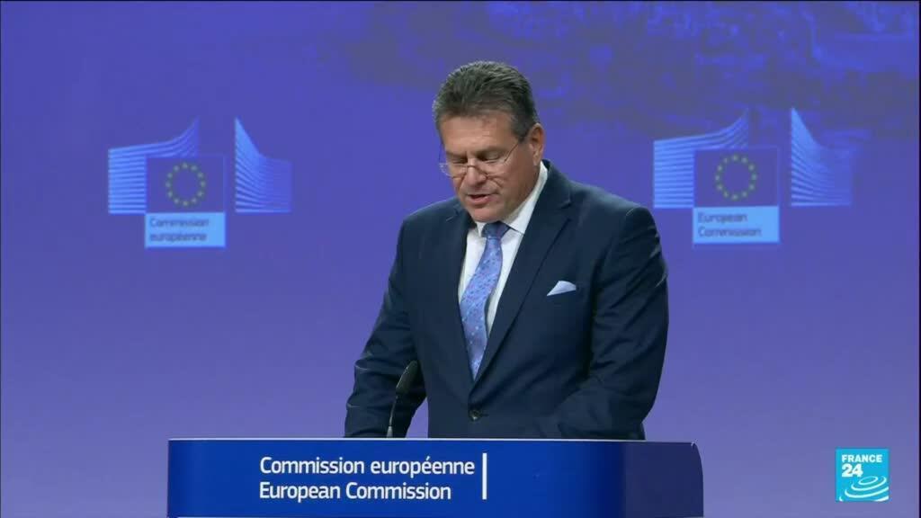 2021-10-14 10:03 Protocole nord-irlandais : l'UE propose d'alléger les formalités douannières