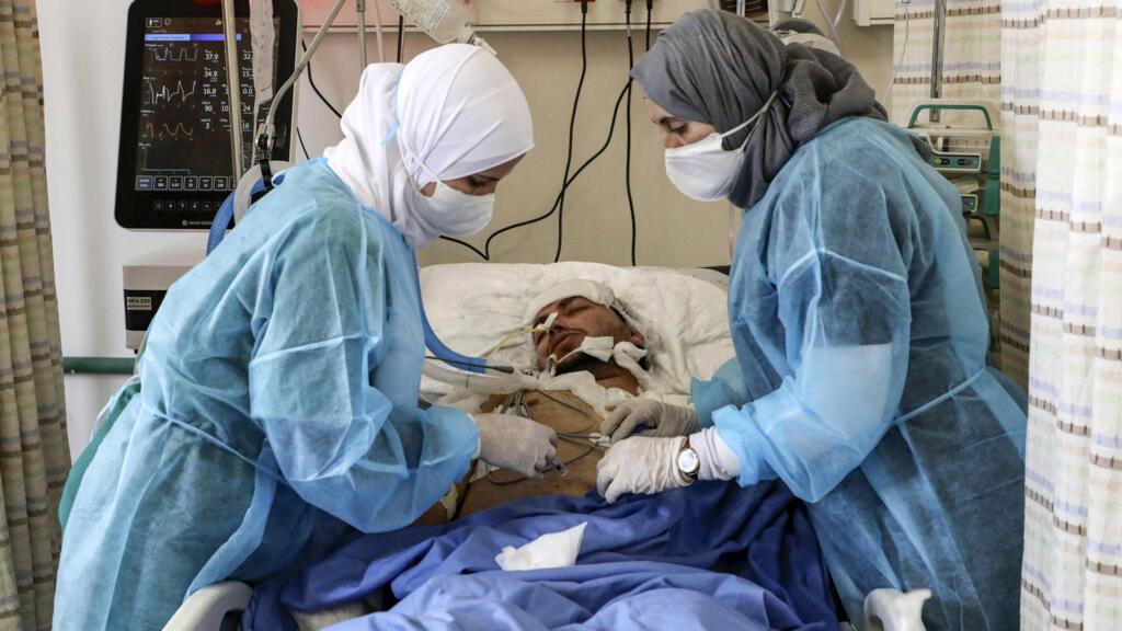 Les hôpitaux de Cisjordanie occupée débordés, tandis qu'Israël déconfine
