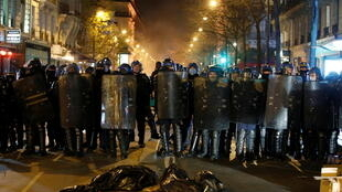 paris france police manifestation