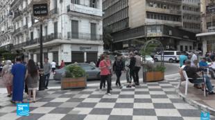 من الشارع الجزائري