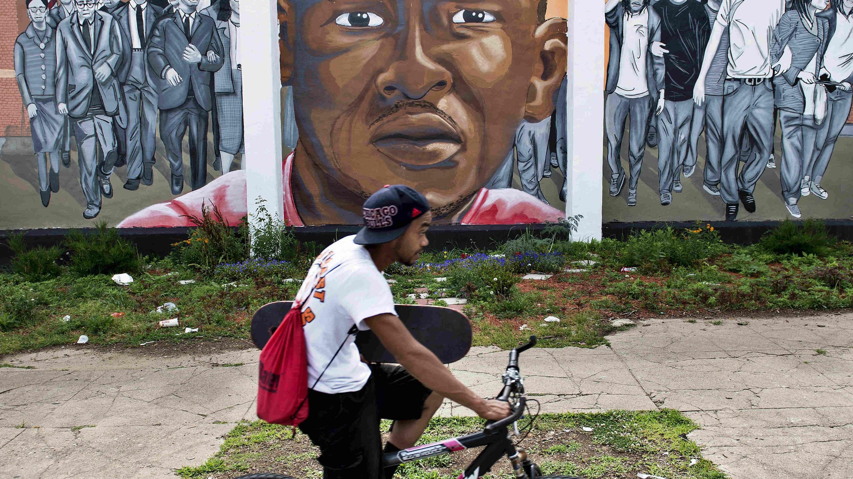 Un portrait de Freddie Gray a été réalisé à Baltimore près de l'endroit où le jeune homme de 25 ans a été arrêté le 12 avril 2015. Il est décédé une semaine après son arrestation.