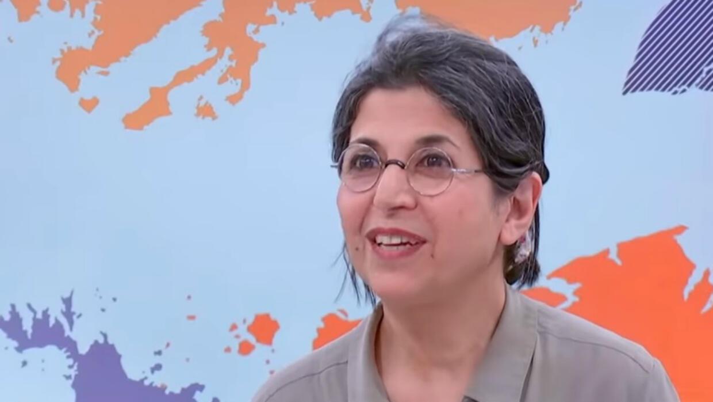 """La chercheuse franco-iranienne Fariba Adelkhah en février 2019 dans l'émission """"Le Monde dans tous ses États"""" de France 24 et FranceInfo."""