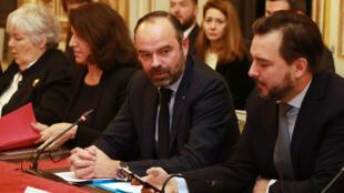 Le Premier ministre français, Edouard Philippe, (C) assiste à une réunion sur la préparation de la France au Brexit, le 17 janvier.