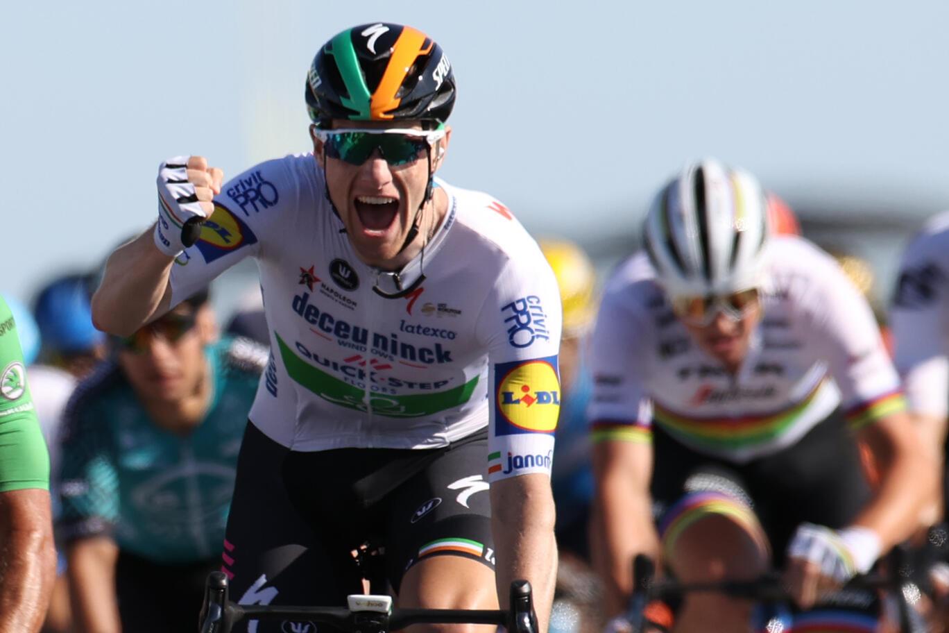 L'Irlandais Sam Bennett vainqueur de la 10e étape du Tour de France, entre Le Chateau d'Oléron et Saint-Martin-de-Ré, le 8 septembre 2020
