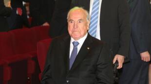 L'ex-chancelier allemand Helmut Kohl, le 23 avril 2015 à Ludwigshafen, dans l'ouest de l'Allemagne.