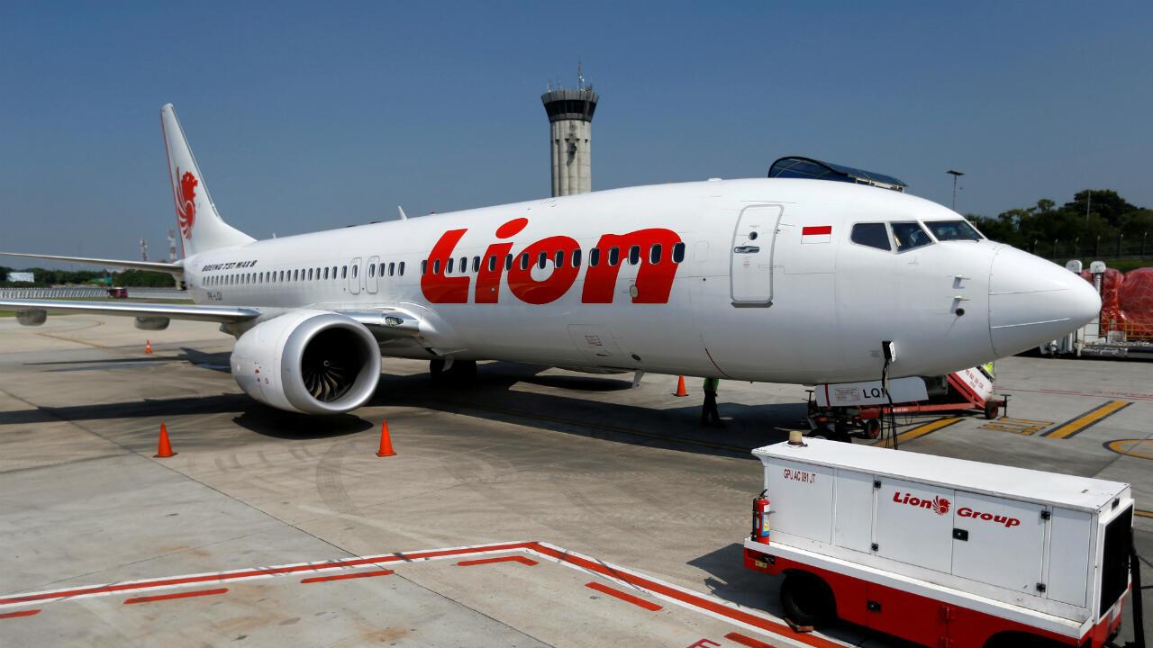 El avión Boeing 737 Max 8 de Lion Air está estacionado en la pista del aeropuerto internacional Soekarno Hatta cerca de Yakarta. 15 de marzo de 2019.
