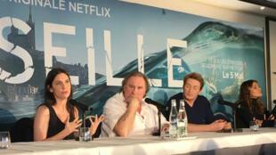 """Les acteurs de la série """"Marseille"""" étaient réunis dans la ville phocéenne pour défendre la première création originale française de Netflix."""