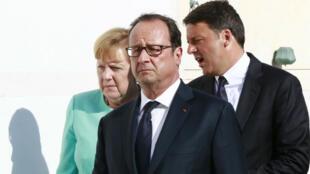 Arrivée de Angela Merkel, François Hollande et Matteo Renzi sur l'île italienne de Ventotene, le 22 août 2016.