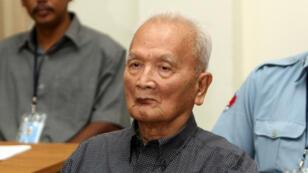 L'ancien dirigeant des Khmers rouges Nuon Chea lors de son audience au tribunal à Phnom Penh, le 4 février 2018.