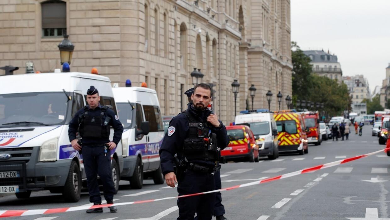 فرنسا: نيابة مكافحة الإرهاب تتسلم ملف التحقيق في الاعتداء على مركز الشرطة في باريس