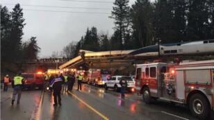 Le déraillement d'un train, dans l'État de Washington, a fait lundi au moins trois morts et 77 blessés.