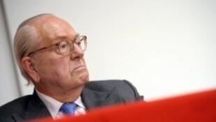 Jean-Marie Le Pen a estimé jeudi, au lendemain du débat, que sa fille avait été mal conseillée.