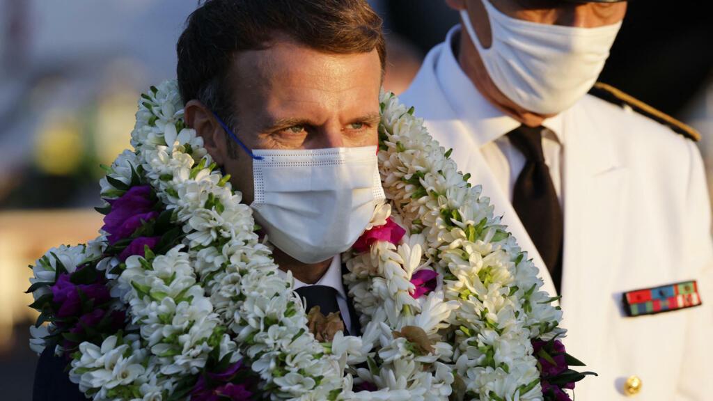Emmanuel Macron commence sa visite en Polynésie par un appel à la vaccination