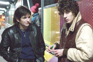 Arnaud Azoulay et Vincent Lacoste prêtent leur visage à Guy-Manuel De Homen-Christo et Thomas Bangalter, le duo des Daft Punk.