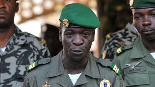 Le général Amadou Sanogo dans le camp militaire de Kati, le 2 avril 2012, peu après sa prise de pouvoir.