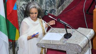 La embajadora Sahlework Zewde pronuncia un discurso en el Parlamento, en Adís Ababa (Etiopía), el 25 de octubre de 2018.