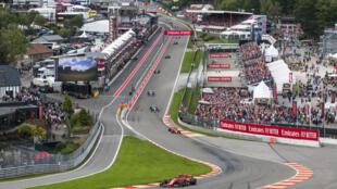 Le pilote Ferrari Charles Leclerc en tête du Grand Prix de Belgique sur le circuit de Spa-Francorchamps le 1er septembre 2019