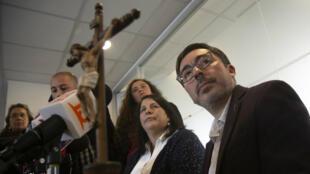 El portavoz de la Conferencia Episcopal de Chile, diácono Jaime Coiro, habla durante una rueda de prensa en Santiago de Chile, el 23 de julio de 2018.