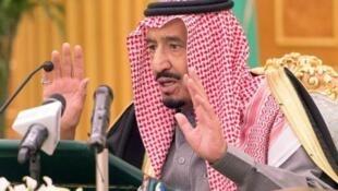 الأمير سلمان بن عبد العزيز بالرياض في 25 ديسمبر 2014