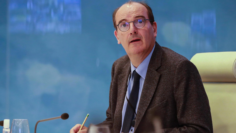 Le délégué interministériel chargé du déconfinement en France, Jean Castex, lors d'une vidéoconférence avec les préfets français au centre de crise du ministère de l'Intérieur à Paris le 29 avril 2020.