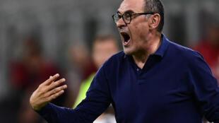 مدرب يوفنتوس ماوريتسيو ساري خلال المباراة ضد ميلان في الدوري الايطالي لكرة القدم، ميلانو في 7 تموز/يوليو 2020