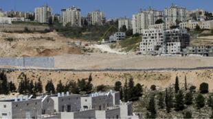Les immeubles en construction de Neve Yaakov, une colonie israélienne à Jérusalem-Est