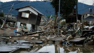 Casas destruidas y bajo el agua en Kurashiki, en el oeste de Japón. 8 de julio de 2018.