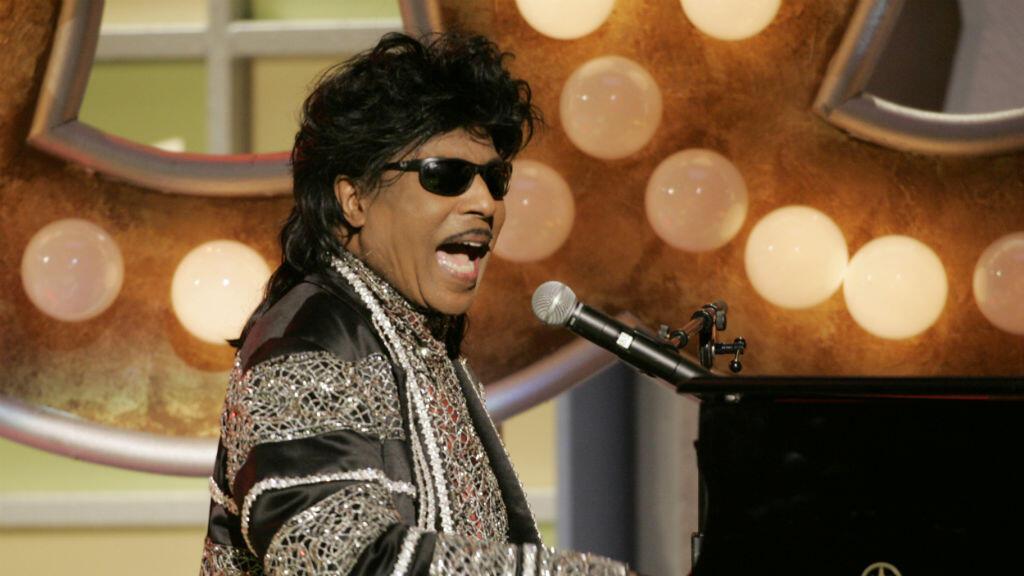 """Foto de archivo del cantante Little Richard durante un homenaje al productor Don Cornelius, creador y productor del programa musical de televisión """"Soul Train"""" en la tercera edición anual de los TV Land Awards en Santa Mónica, California, el 13 de marzo de 2005."""